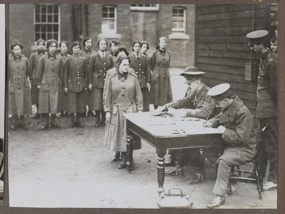 Women's Army Auxiliary Corps pay parade, 1917 (c)