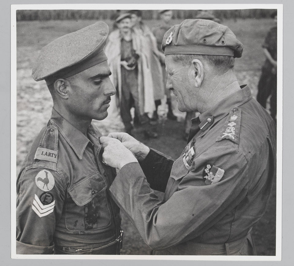 Havildar Mohan Lal receiving the Indian Distinguished Service Medal from General Sir Claude Auchinleck, 1944 (c)