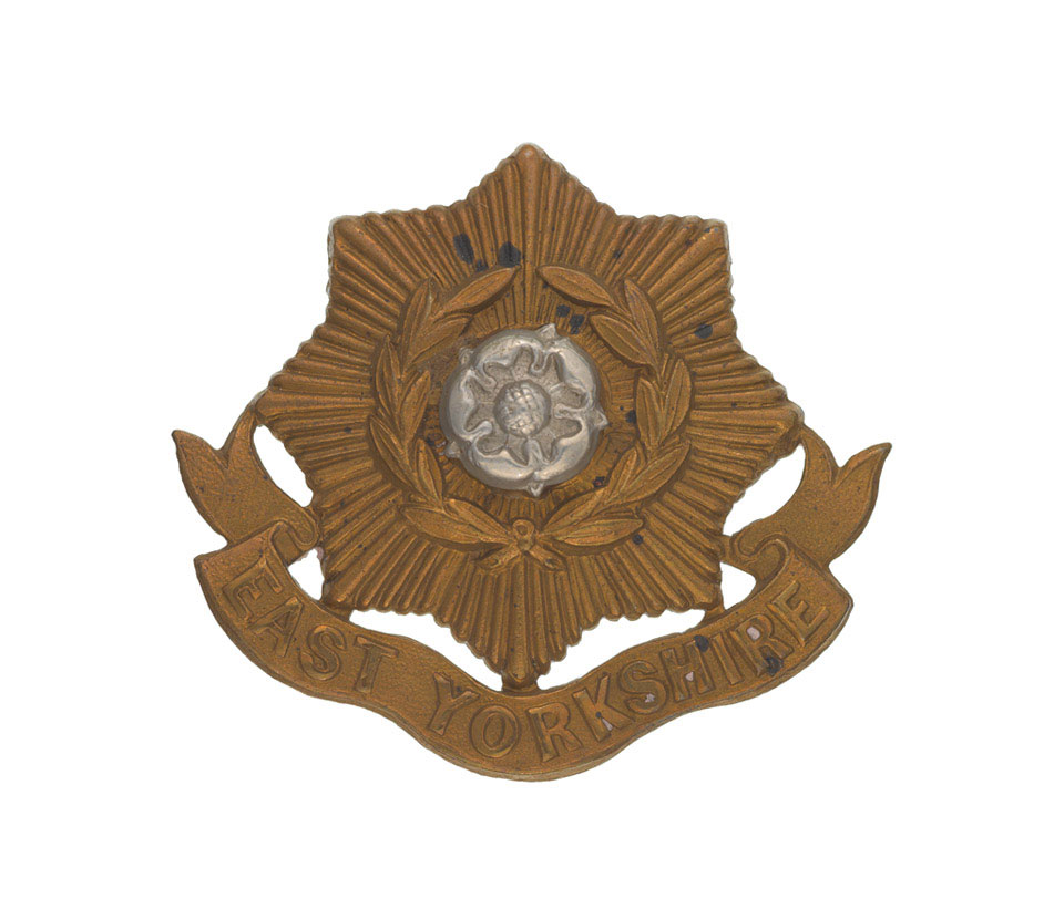 Other ranks' cap badge, The East Yorkshire Regiment (The Duke of York's Own), 1898 (c)