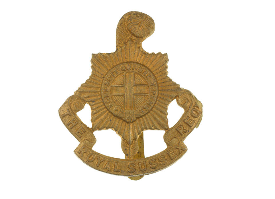 Other ranks' cap badge, The Royal Sussex Regiment, 1916 (c)