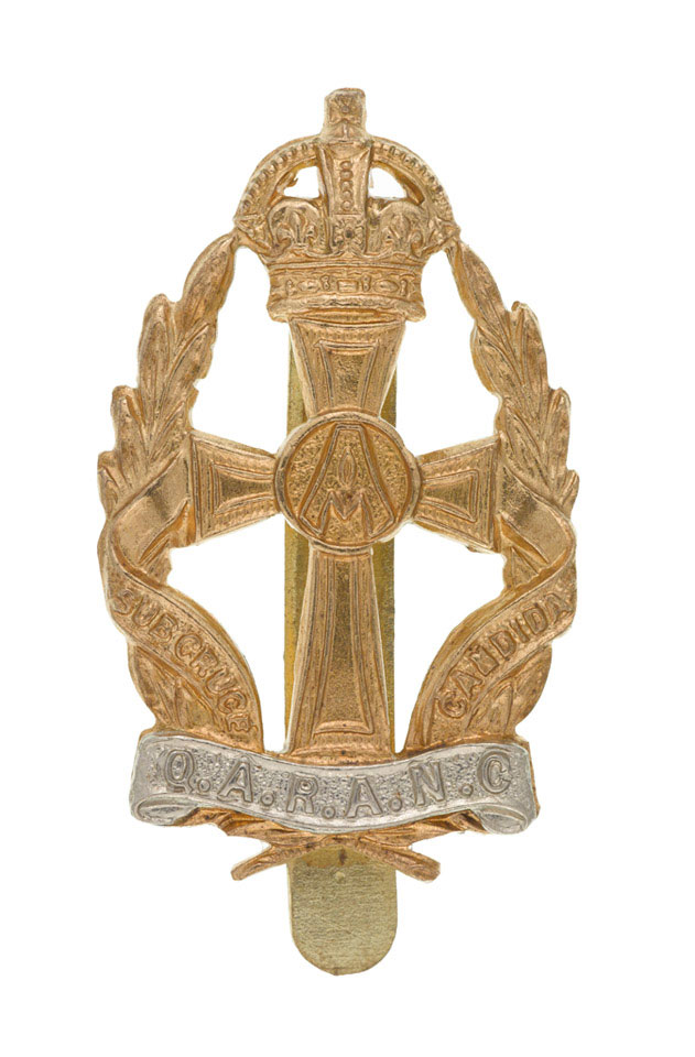 Cap badge, other ranks, Queen Alexandra's Royal Army Nursing Corps, 1950-1953 (c)
