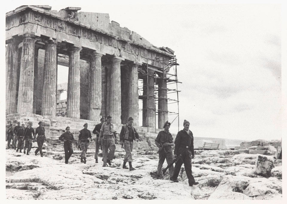 Special Boat Service soldiers on the Acropolis in Athens, 1944