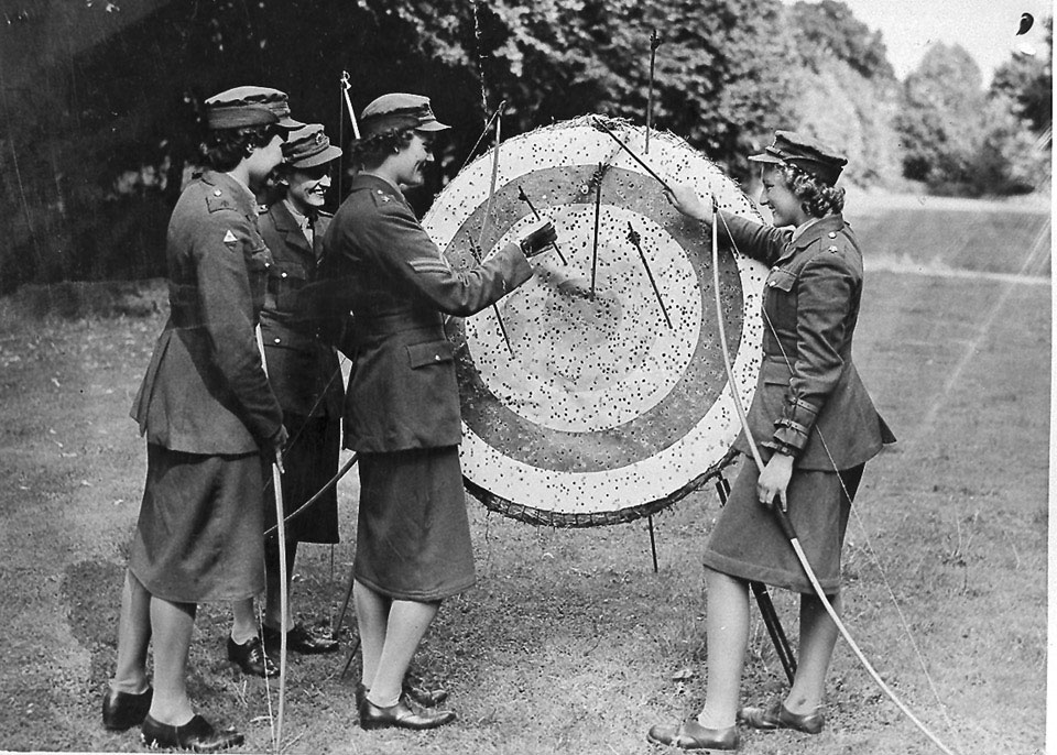 Auxiliary Territorial Service (ATS) archery, 1940 (c)